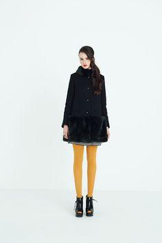 To b. by agnès b. 2014AW Daily Fashion, Love Fashion, Retro Fashion, Girl Fashion, Vintage Fashion, Fashion Outfits, Womens Fashion, Fashion Design, Paris Fashion