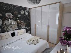Návrh interiéru bytu Romantika v akcii, pohľad na skriňu v spálni Oversized Mirror, Furniture, Home Decor, Nostalgia, Decoration Home, Room Decor, Home Furnishings, Home Interior Design, Home Decoration