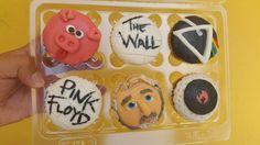 No hay mejor regalo que uno de nuestros cupcakes personalizados. Pedido especial para Ingrid nuestra amiga y locutora de Reactor 105.7 Fm