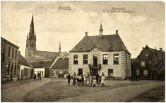 Marktplein met kerk en gemeentehuis, 1911 - 1920 Auteur: Jan Bijnen