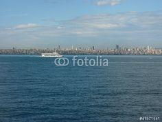 Passagierschiff auf dem Marmarameer auf dem Weg von Istanbul auf die Prinzeninseln