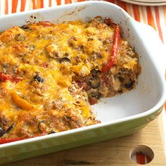 Beef Nacho Casserole - This south-of-the-border casserole combines refrigerated pizza dough, beef mixture, and taco-cheese blend into a sensational one-dish meal. Nacho Casserole, Casserole Dishes, Casserole Recipes, Lasagna Casserole, Mexican Casserole, Hamburger Casserole, Breakfast Casserole, Beef Nachos, Great Recipes