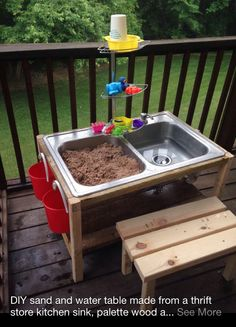 Outdoor sand and water play station