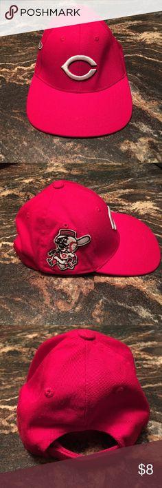Selling this Cincinnati Reds Fan Favorite Youth Hat on Poshmark! My username is: doraannv. #shopmycloset #poshmark #fashion #shopping #style #forsale #Fan Favorite #Other