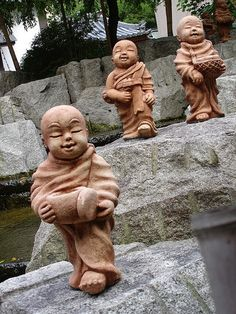 Kyoto | Tiny happy Budas...