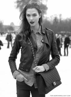 Karlie Kloss | Inspiration for Photography Midwest | photographymidwest.com | #pmw #photographymidwest #fashion #KarlieKloss