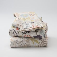 If I had the kind of money where $170 on a set of sheets was no biggie, I'd totally get these... Woodland Meadow Sheet Set