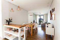Apartamento MG por Luciana Ribeiro Arquitetura | homify Office Desk, Dining Table, Furniture, Home Decor, Scandinavian Architecture, Scandinavian Dining Rooms, Design Ideas, Good Ideas, Environment