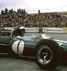 Lotus 33 1965 Nurburgring Jim Clark Lotus F1, Racing Events, Formula 1 Car, Classic Motors, Classic Cars, F1 Drivers, F1 Racing, Car And Driver, Indy Cars