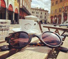 Sonnenbrille LYLY in Italien Sunny Days, Eyewear, Sunglasses, Instagram, Fashion, Sun, Eyeglasses, Italy, Moda