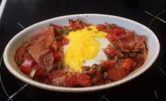 Flamenco tojás cukkinivel recept képpel és pontos leírással. Próbáld ki ennek a tojásos andalúz ételnek a diétás változatát! Parma, Coaching, Eggs, Beef, Breakfast, Ethnic Recipes, Flamingo, Training, Meat