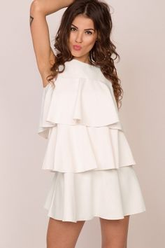 Awangardowa sukienka w falbany ecru Fendi