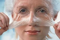 Aging is never welcome, especially to women. Aside from your body feeling much weaker, your face also becomes covered in wrinkles. The cosmetic industry today is making millions on anti-aging treatments such as botox, … Beauty Care, Beauty Hacks, Diy Beauty, Homemade Beauty, Beauty Skin, Beauty Ideas, Luscious Hair, Home Remedies For Hair, Loosing Weight
