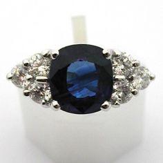 Bague en or blanc saphir de Ceylan et diamants 533  #ring #bague #vintage http://www.bijoux-bijouterie.com/