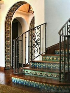 Beautiful Tiled Stairs Designs For Your House 18 Tiled Staircase, Tile Stairs, House Stairs, Staircase Design, Staircases, Spanish Style Homes, Spanish House, Spanish Style Interiors, Spanish Tile