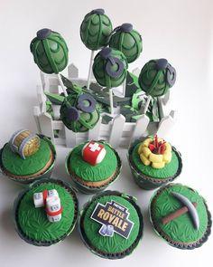 Que me dicen estos cakepops y cupcakes para a acompañar una hermosa mesa que armo Mariana? Cupcakes, Desserts, Instagram, Food, Mariana, Sweetie Belle, Tailgate Desserts, Cupcake Cakes, Deserts