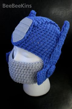 Chévere gorrito ahora que hace frío!  Awesome Optimus Prime Knitted Hat / Transformers