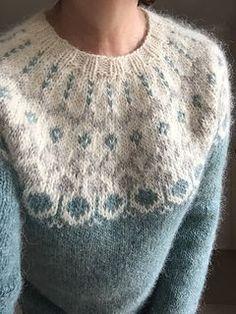 Knitoni's Hela & Alva hybrid, a stranded colorwork yoke sweater knit in Istex Alafosslopi. Sweater knitting pattern: Hela Short Cardigan with Zip by Védís Jónsdóttir incorporating Alva by Maria Vangen. Sweater Knitting Patterns, Knitting Designs, Knit Patterns, Knitting Projects, Hand Knitting, Knitting Sweaters, Fair Isle Knitting Patterns, Knitting Tutorials, Vintage Knitting