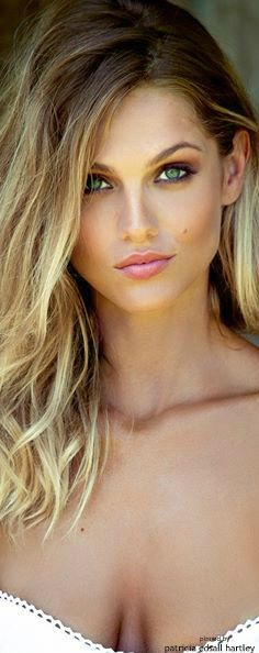 1e8887c7c Perfect length and color Woman Face, Amazing Women, Beautiful Women, Beautiful  Gorgeous,