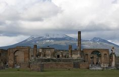 POMPEII You could spend all day wandering around the ruins of Pompeii. But to save your feet from swelling, here are the top things to see in Pompeii.