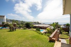 With a view like this one, every day will feel like a holiday. This spacious family home on the beachfront has three lounges where family and friends can spread out and enjoy a coastal lifestyle and entertaining.