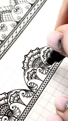 Easy Doodles Drawings, Easy Disney Drawings, Unique Drawings, Zentangle Drawings, Zentangle Patterns, Zentangles, Realistic Flower Drawing, Cute Flower Drawing, Mandala Art Lesson