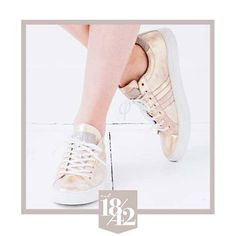 Bringing you some rose golden goodness today! We're in love  How about you?  #est1842 #est1842footwear #sneakers #rosegold #shoes #shoelove #shoeaddict #shoesoftheday #style #luxury #availableonline #wannahave #musthave #rose #gold