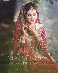 Bridal Mehndi Dresses, Pakistani Bridal Makeup, Pakistani Wedding Outfits, Bridal Dress Design, Bridal Outfits, Pakistani Dresses, Indian Outfits, Lehenga For Girls, Celebrity Fashion Outfits