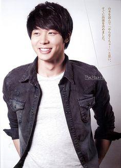 "[HD SCANS] Yoochun in ""Crea-Star"" Vol. 15 (April 2013 Issue) JYJ"