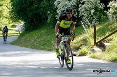 Na toplo in sončno sobotno jutro se je v Mengeški loki zbralo preko 50 kolesarjev s cestnimi in gorskimi kolesi.