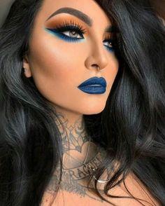 Goth Makeup, Sexy Makeup, Dark Makeup, Blue Makeup, Gorgeous Makeup, Makeup Light, Makeup Goals, Makeup Inspo, Makeup Inspiration
