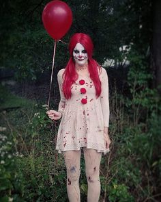 45 Funny and Scary DIY Halloween Costumes Ideas Contact Lisa Reich about the Colorado real estate market. Lisa Reich with RE/MAX Alliance Lisa www.ReichColorado… Funny-and-Scary-DIY-Halloween-Costumes-Ideas Disfarces Halloween, Pennywise Halloween Costume, Scary Clown Costume, Popular Halloween Costumes, Scary Clowns, Couple Halloween, Halloween Outfits, Halloween Makeup, Clown Costume Women