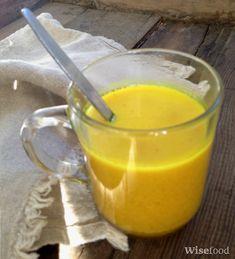 Golden milk er en velsmagende drik med stærk antiinflammatorisk virkning. Den er nem at lave, giver kraftige antioxidanter og styrker leveren.