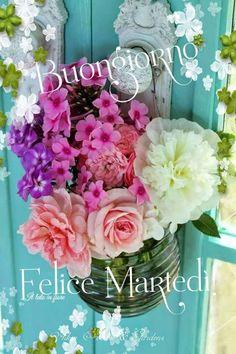 🌸🌸🌸🌸 - Upload Box Bon Mardi, Italian Quotes, Good Morning, Floral Wreath, Wreaths, Facebook, Italy, Tuesday, Gif