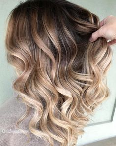 22 balayage hair for every hair type. No matter whether blonde or dark hair. Ombre Hair Color For Brunettes balayage Blonde Dark hair matter Type Ombre Hair Color, Hair Color Balayage, Hair Highlights, Bayalage Color, Blonde Balayage On Brown Hair, Balayage Hair 2018, Baylage, Ombre Bob, Blonde Ombre