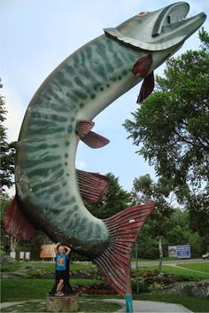 Visit reports, news, maps, directions and info on Husky the Muskie in Kenora, Ontario. Roadside Signs, Roadside Attractions, O Canada, Canada Travel, Love Sites, Adventures Abroad, Lake Superior, World's Biggest, Great Memories