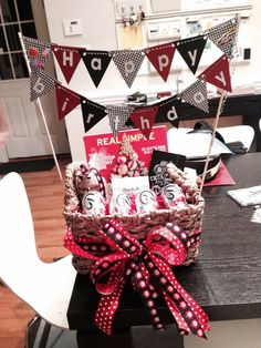 Teacher birthday gift ~ what a cute way to decorate a gift or silent auction basket! Teacher Birthday Gifts, Teacher Gifts, School Gifts, School Fun, School Ideas, Teacher Gift Baskets, Teacher Appreciation Week, Employee Appreciation, Vinyl Gifts