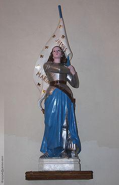 la statue de Jeanned'Arc dans l'église Sainte-Cécile de Châteauneuf-les-Martigues