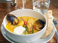 En härlig soppa som passar att göra till många. Den går till stora delar att förbereda.