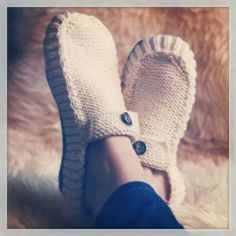 calentitas Knitted Slippers, Knitting Patterns, Seasons, Embroidery, How To Make, Hand Crafts, Knots, Stitches, Chinese