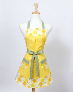 Vintage inspired full Apron Lemons lemon yellow and by apronqueen, $27.95