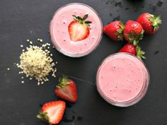 Strawberry and Hemp Seed Smoothie: In this smoothie, hemp seeds take the place of nuts, creating a protein-rich smoothie that also provides a dose of Omega-3 fatty acids