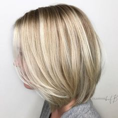 When it comes to fine hair, a shorter style is your best friend. But what is the most trendy and the best style for fine hair? Bob haircuts are the smartest choice if you have fine hair, because of… Medium Hair Styles, Short Hair Styles, Medium Fine Hair, Fine Hair Styles For Women, Medium Blonde, Short Blonde, Blonde Balayage Bob, Balayage Hairstyle, Bob Haircut For Fine Hair