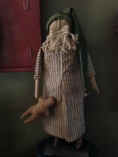 Prim Santa with gingerbread man
