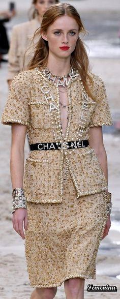 Chanel Spring/Summer 2019 RTW - Chanel Cardigan - Ideas of Chanel Cardigan - Chanel Spring/Summer 2019 RTW Chanel Vestidos, Primavera Chanel, Gabrielle Bonheur Chanel, Chanel Style Jacket, Chanel Dress, Chanel Outfit, Coco Chanel Fashion, High Fashion Outfits, Runway Fashion