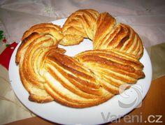 Recept na výbornou estonskou pochoutku z kynutého těsta.