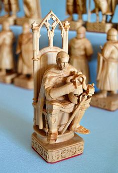 """Chess """"Battle on the ice"""" Chess Table, Art Through The Ages, Chess Pieces, Wood Carving, Wood Crafts, Board Games, 3d Printing, Battle, Sculptures"""
