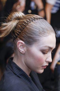 ¿Vuelven las diademas zigzag  pelo  hair  peinados  accesorios  belleza b387c773e175