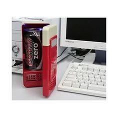 Mini frigo usb, mantiene al fresco le tue bevande! http://www.scegli-e-compra.com/gadget-elettronici-usb/685-mini-frigo-usb.html#.UVFr40E0fit