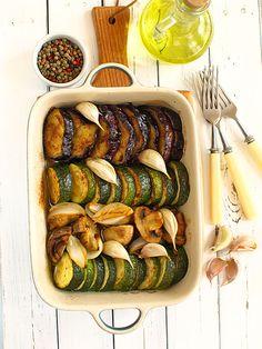 Pieczone warzywa z czosnkiem i oliwą